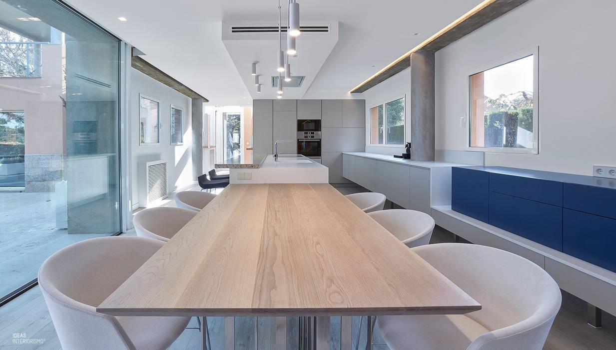 Interiorismo confortable, salón.: Comedores de estilo  de Ideas Interiorismo Exclusivo, SLU