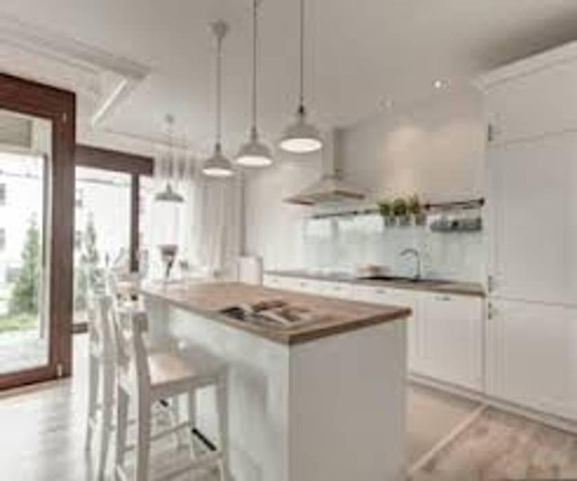 Casa n. 3: Cucina in stile  di Rossi Design - Architetto e Designer, Scandinavo
