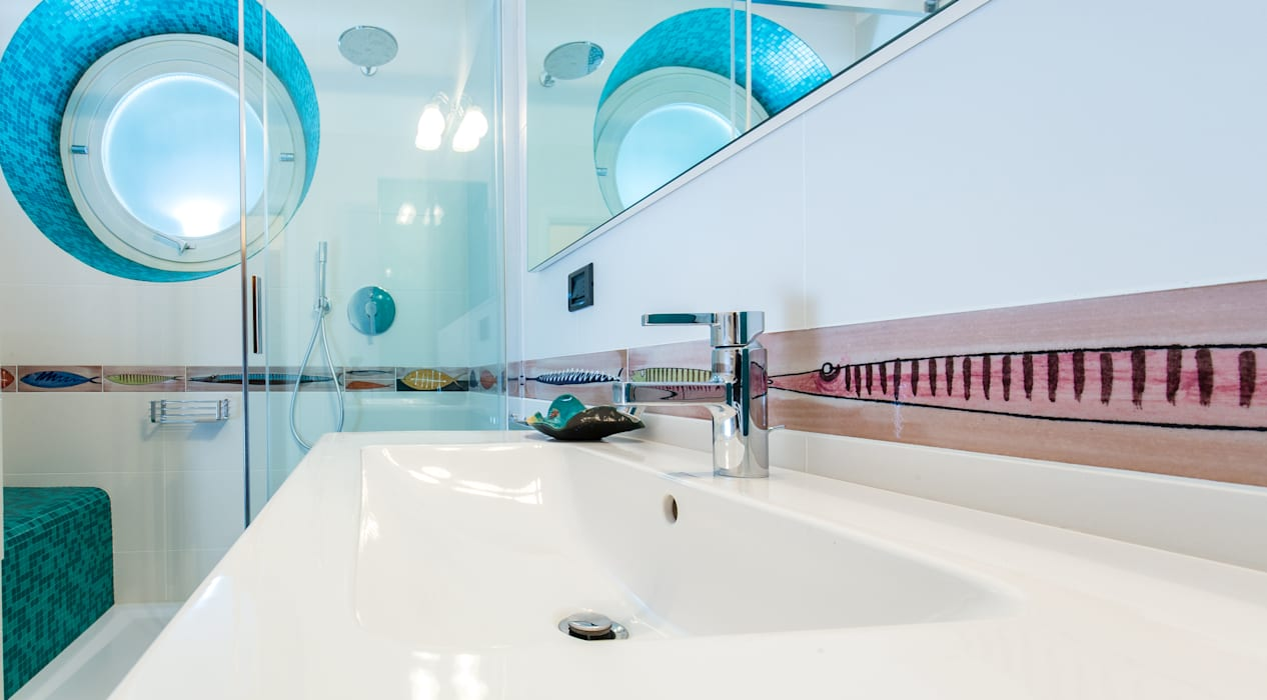 Bagno tropicale: Bagno in stile  di ADIdesign*  studio