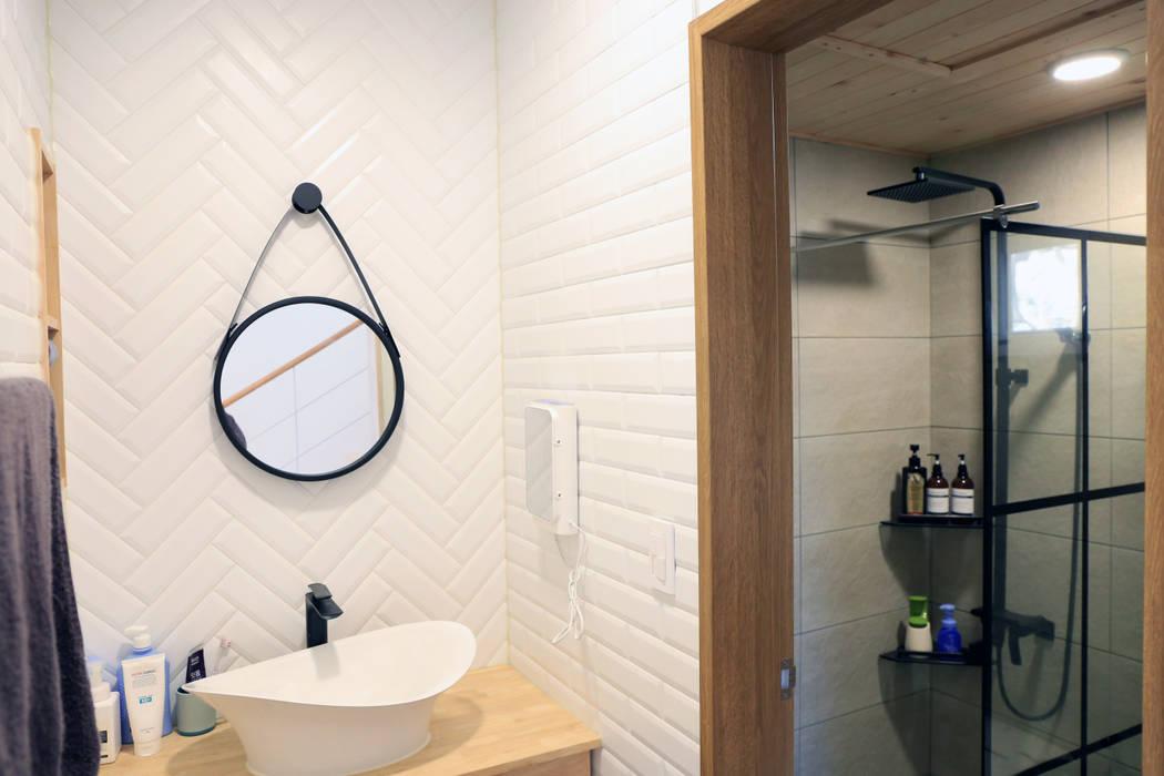 욕실 컨트리스타일 욕실 by (주)디엘건축 컨트리