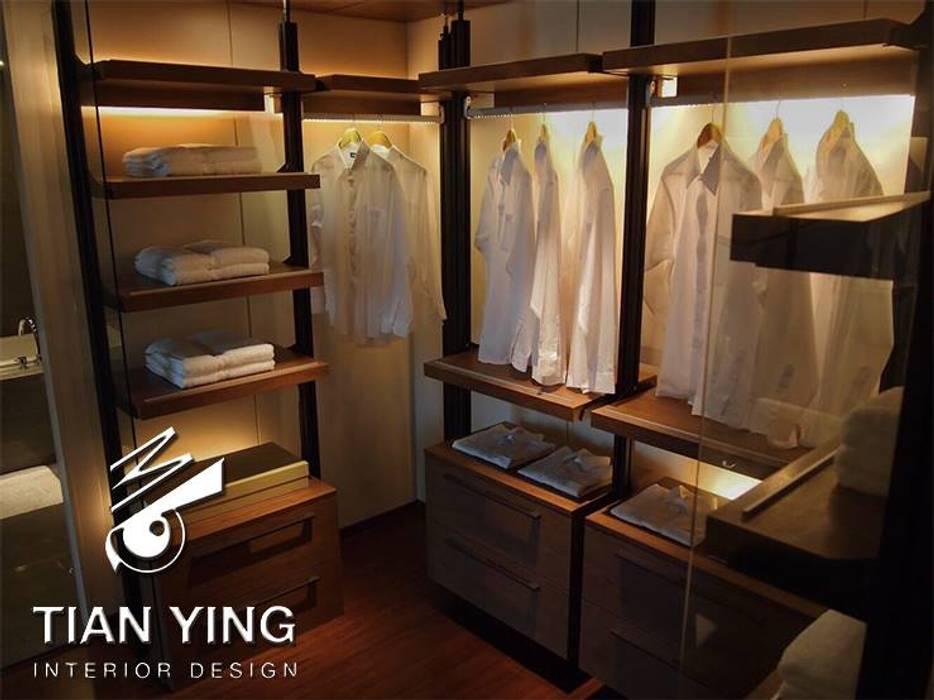 住宅空間設計-私人領域/主臥更衣室:  更衣室 by 天英設計工程