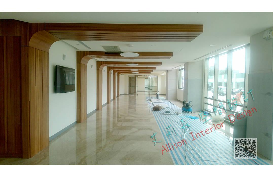 大廳 艾莉森 空間設計 现代客厅設計點子、靈感 & 圖片