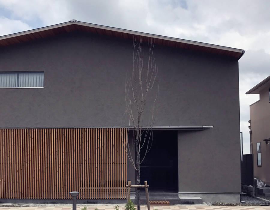 Wooden houses by ARCHIXXX眞野サトル建築デザイン室, Modern