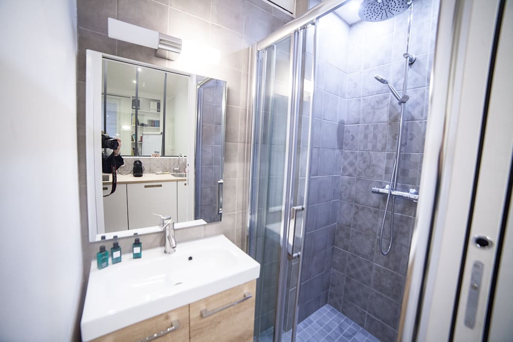 salle de bain: Locaux commerciaux & Magasins de style  par Desjoconception