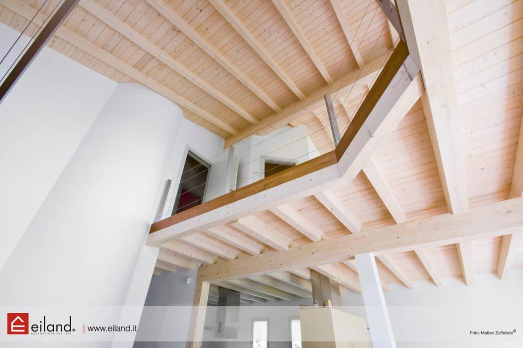 Soppalco: Studio in stile  di EILAND