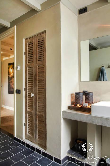 Fresco in de kleur Flannel Grey:  Badkamer door Pure & Original, Landelijk