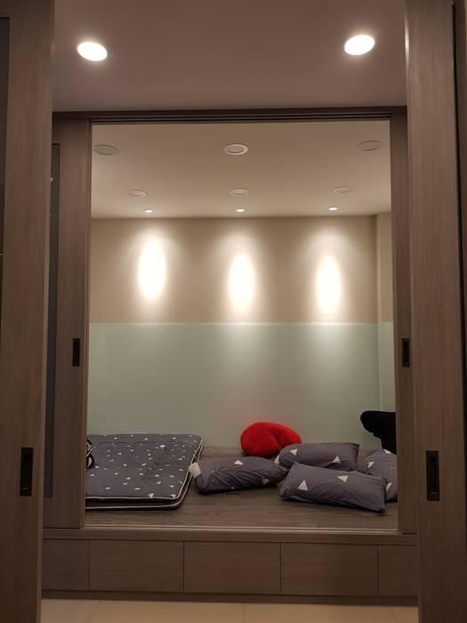 和室&客房:  嬰兒/兒童房 by 懷謙建設有限公司