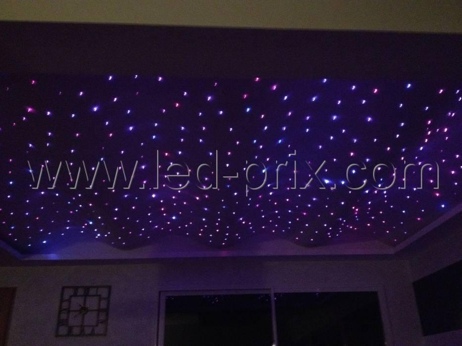 Fibre optique ciel étoilé au plafond : Salon de style de style Moderne par LED-PRIX.fr