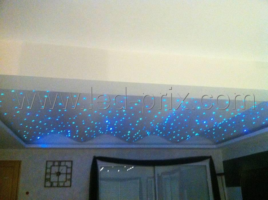Découvrez comment installer un ciel étoilé en fibre optique: Chambre de style de style Moderne par LED-PRIX.fr