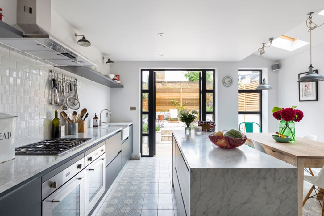 North West London Terraced House:  Kitchen units by VORBILD Architecture Ltd.