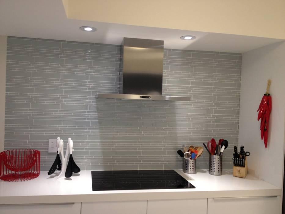 現代廚房設計點子、靈感&圖片 根據 KornerStone Design 現代風