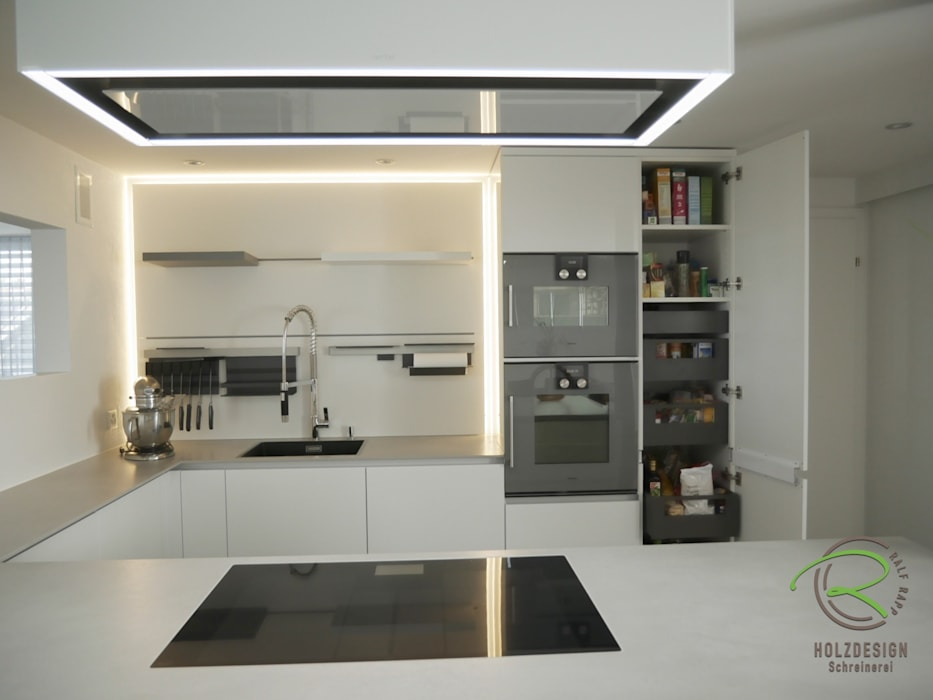 Weiße hochglanzküche : einbauküche von schreinerei holzdesign ralf ...