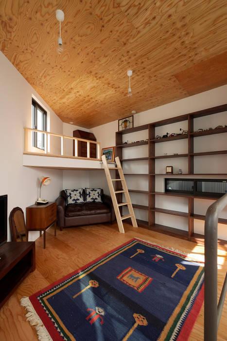 Minimalist bedroom by 一級建築士事務所 Coo Planning Minimalist Wood Wood effect