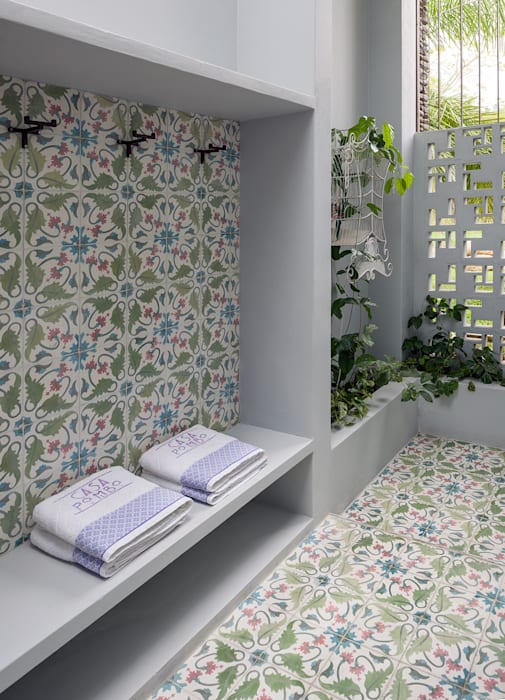 Casa Mesa de Yeguas X-13 Baños de estilo moderno de NOAH Proyectos SAS Moderno Azulejos