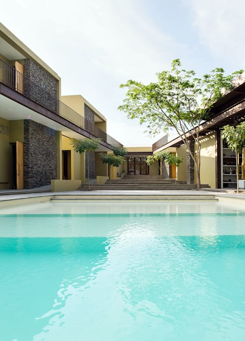 Infinity pool by NOAH Proyectos SAS,