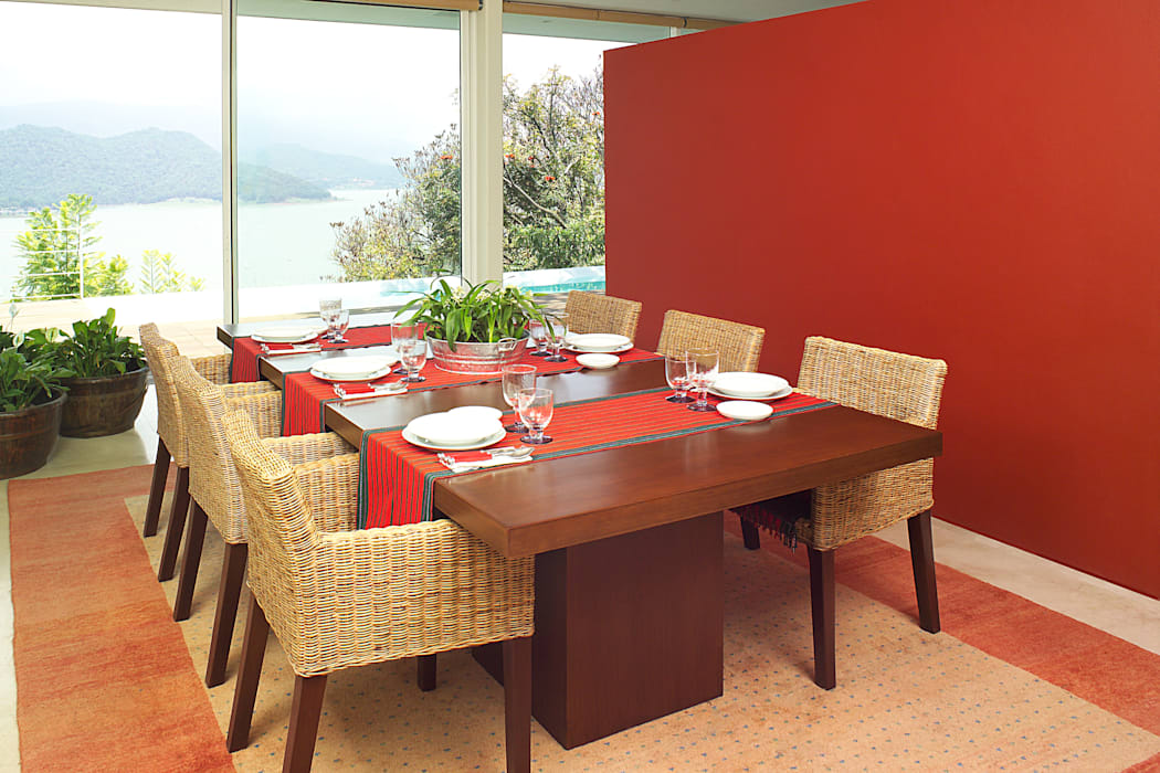 Modern dining room by Mayúscula Arquitectos Modern