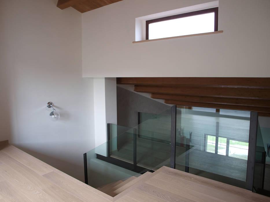 Area studio: Studio in stile  di Zanzotti Design