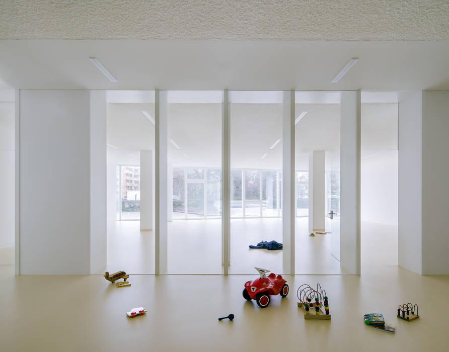 Dormitorios de bebé de estilo  por JAN RÖSLER ARCHITEKTEN,
