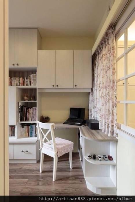 Study/office by 芸匠室內裝修設計有限公司,