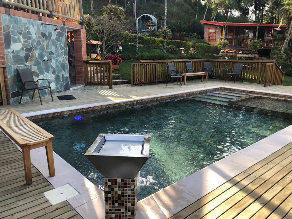 La Milagrosa - Guarne Antioquia de Premier Pools S.A.S. Moderno