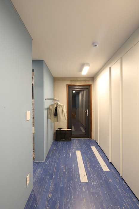 Modern style bedroom by 인문학적인집짓기 Modern
