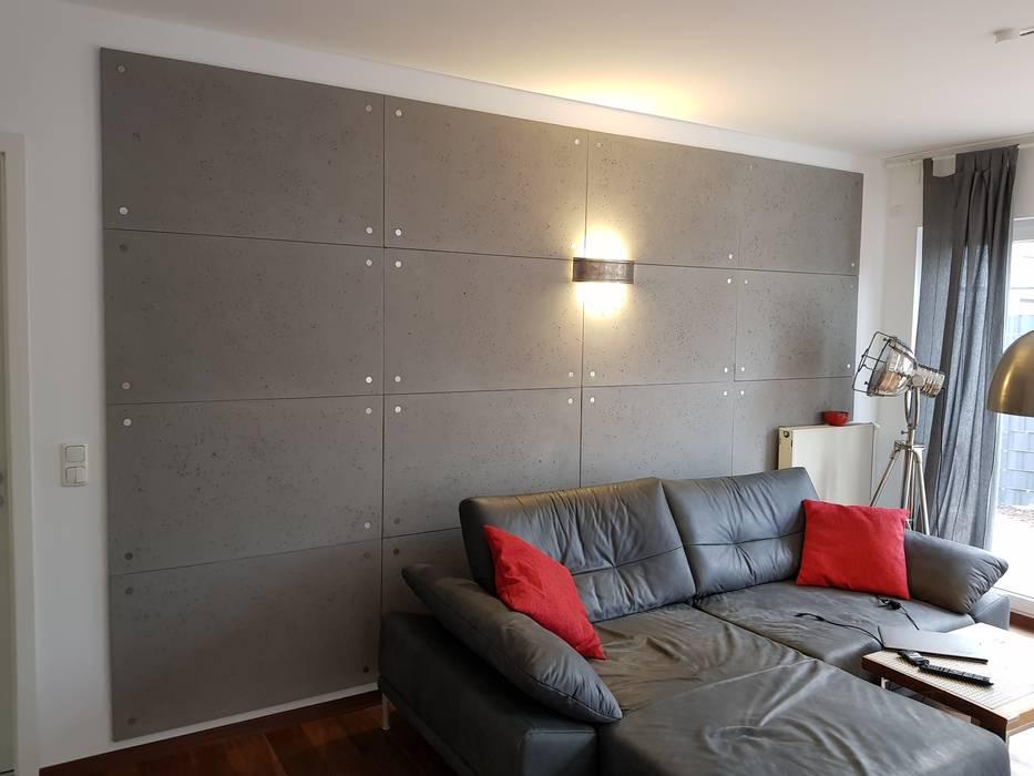 CONCRETE HOLLOW Betonoptik mit runden Dekoelementen aus Edelstahl Moderne Wohnzimmer von Loft Design System Deutschland - Wandpaneele aus Bayern Modern