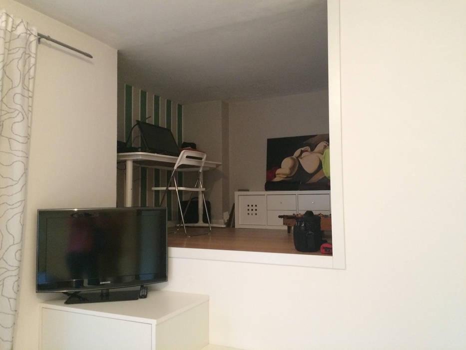 soppalco in camera dei ragazzi: Camera da letto in stile in stile Moderno di studio arch sara baggio