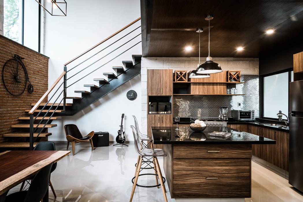 Loft Concord: Cocinas equipadas de estilo  por Arquitectos Ejecutivos, Moderno Granito
