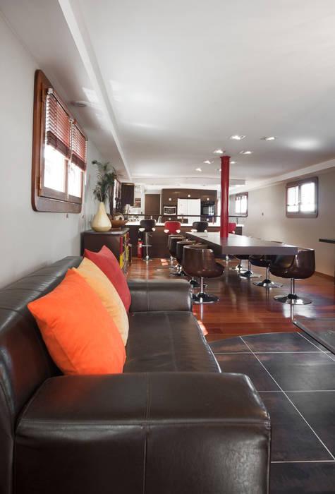 Coin salon : Cuisine de style de style Moderne par réHome