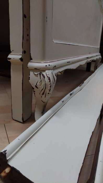 Cama . Pormenor decorativo: Quarto  por Inês Florindo Lopes