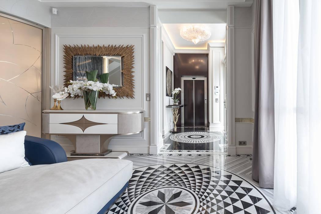 A detailed approach to an interior design of a villa in Monte-Carlo.: Soggiorno in stile  di NG-STUDIO Interior Design