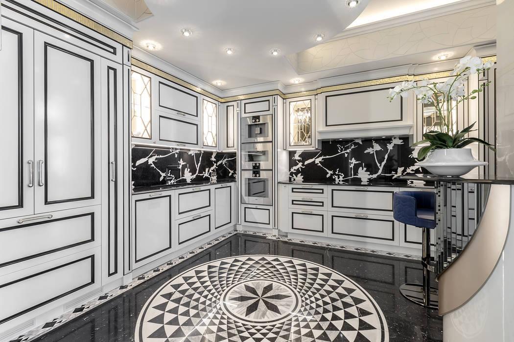 A contrast and spectacular interior of a kitchen. Villa in Monaco.: Cucina in stile  di NG-STUDIO Interior Design