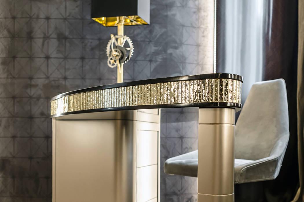 Bright accents in the interior of a villa in Monaco.: Studio in stile  di NG-STUDIO Interior Design