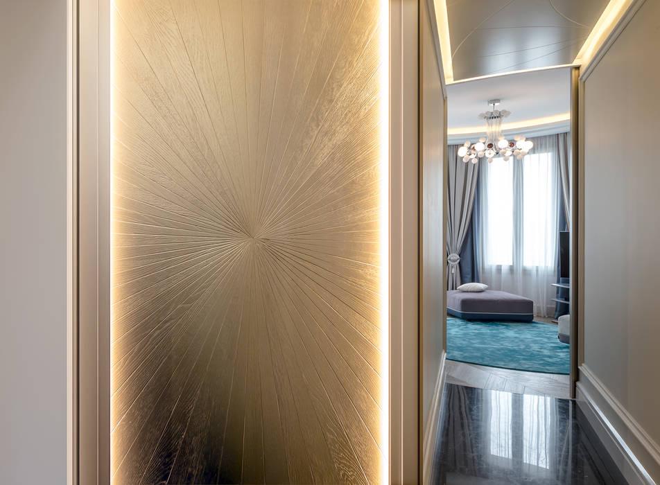 A combination of modernity of a tradition style. Interior design of a villa in Monaco.: Ingresso & Corridoio in stile  di NG-STUDIO Interior Design