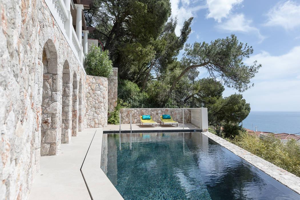 Terraces of a landscape. Villa in Monaco.: Case in stile  di NG-STUDIO Interior Design