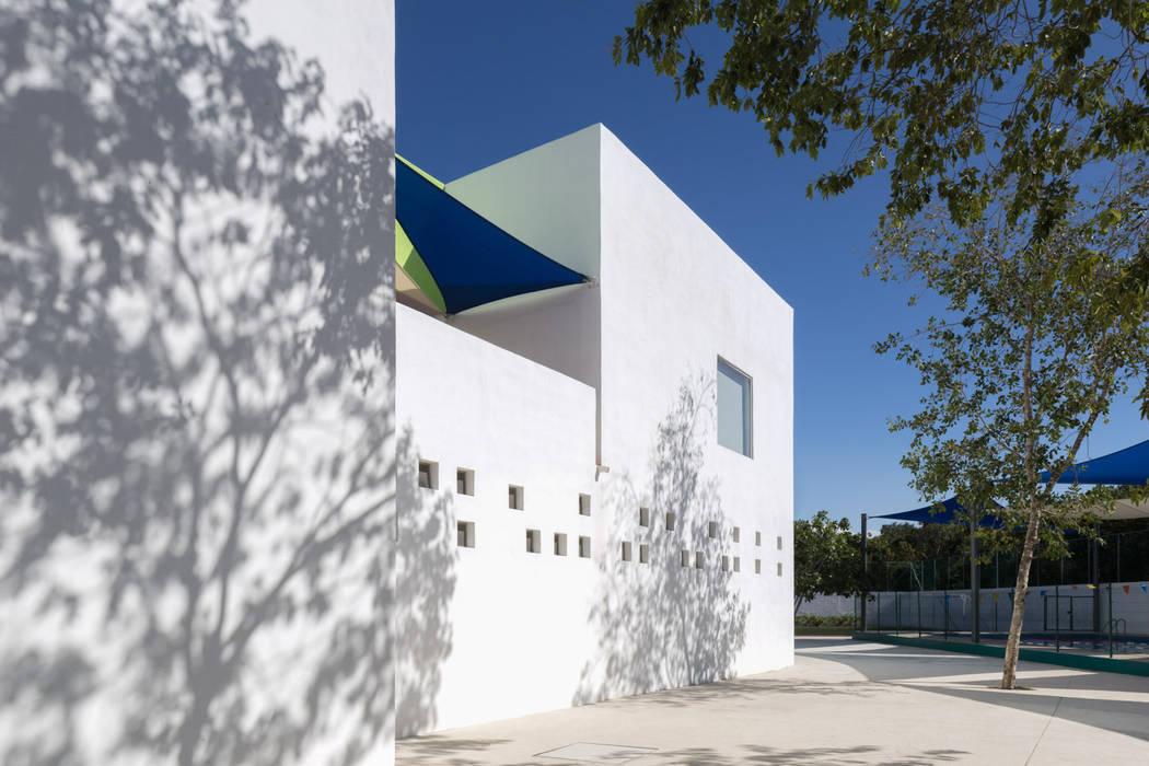 Study/office by Daniel Cota Arquitectura   Despacho de arquitectos   Cancún