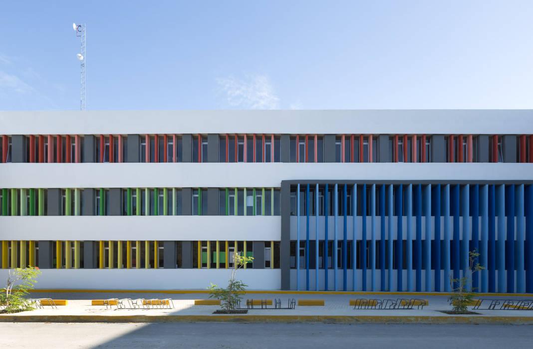 Study/office by Daniel Cota Arquitectura | Despacho de arquitectos | Cancún, Modern Concrete