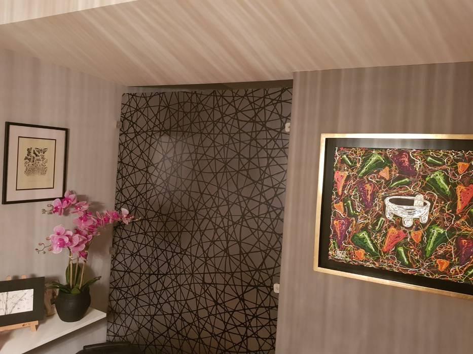 Muro divisor de 3Form en interior de sala y comedor de Dintel arquitectura y construcción Clásico