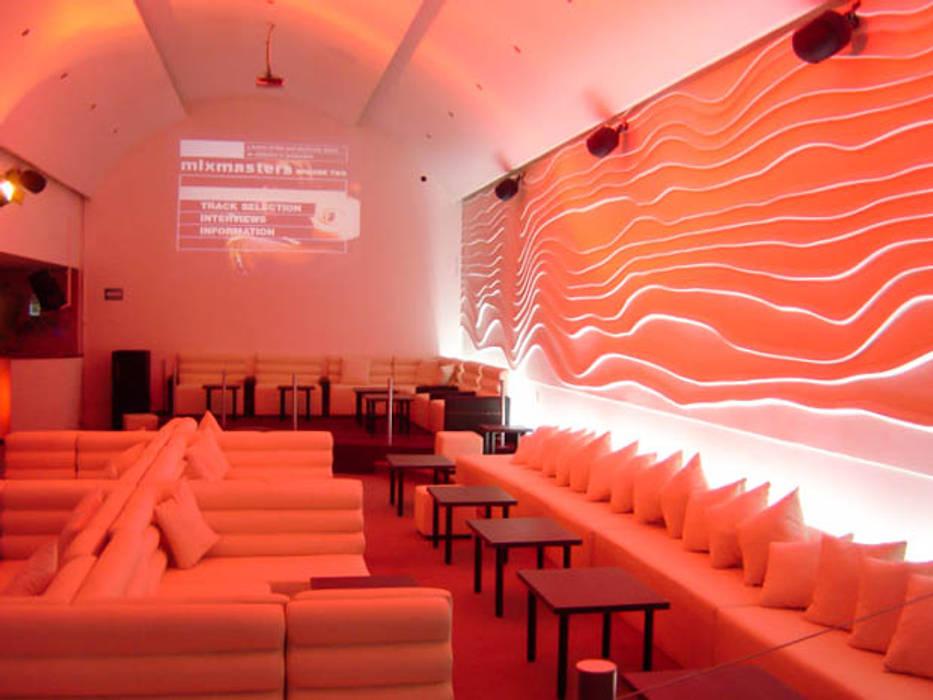 Bar & Klub  oleh DISEÑO DE BARES Y RESTAURANTES B&Ö  Arquitectura, decoración, diseño de interiores y Muebles, Minimalis