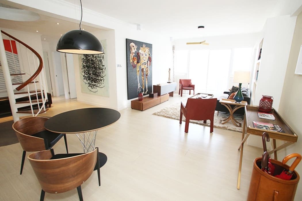 现代客厅設計點子、靈感 & 圖片 根據 B Squared Design Limited 現代風