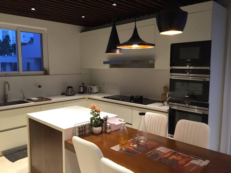 Proyecto de diseño y decoración en una villa residencial SK Whitefield | Bangalore | India de Studioapart interioristas en Barcelona Moderno