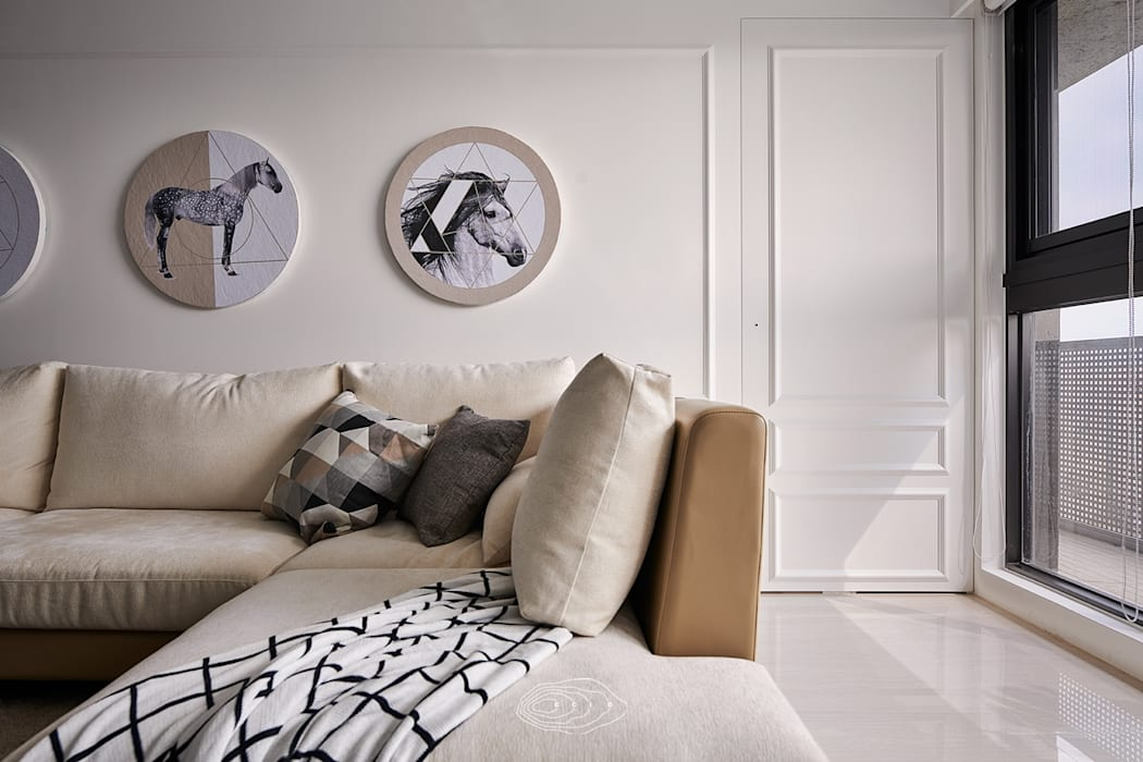 Salas / recibidores de estilo  por 層層室內裝修設計有限公司