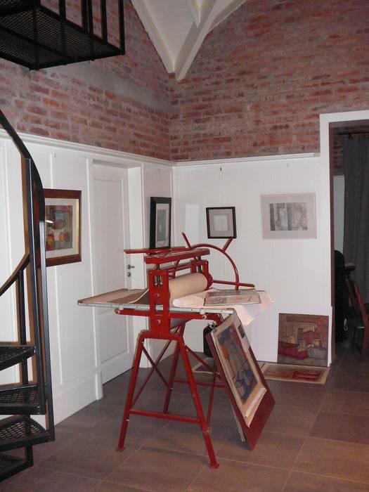 Taller de arte: Estudios y oficinas de estilo  por Estudio Dillon Terzaghi Arquitectura - Pilar