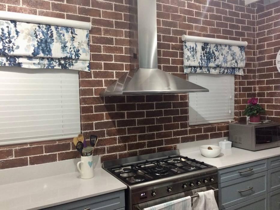 New bespoke kitchen units using white soft duck egg and wooden shelves Nhà bếp phong cách hiện đại bởi homify Hiện đại
