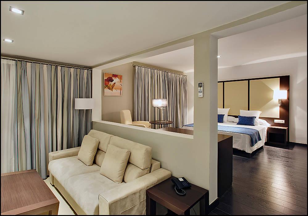 HOTEL PUEBLO ACANTILADO Hoteles de estilo colonial de NOAH MANAGEMENT S.L. Colonial