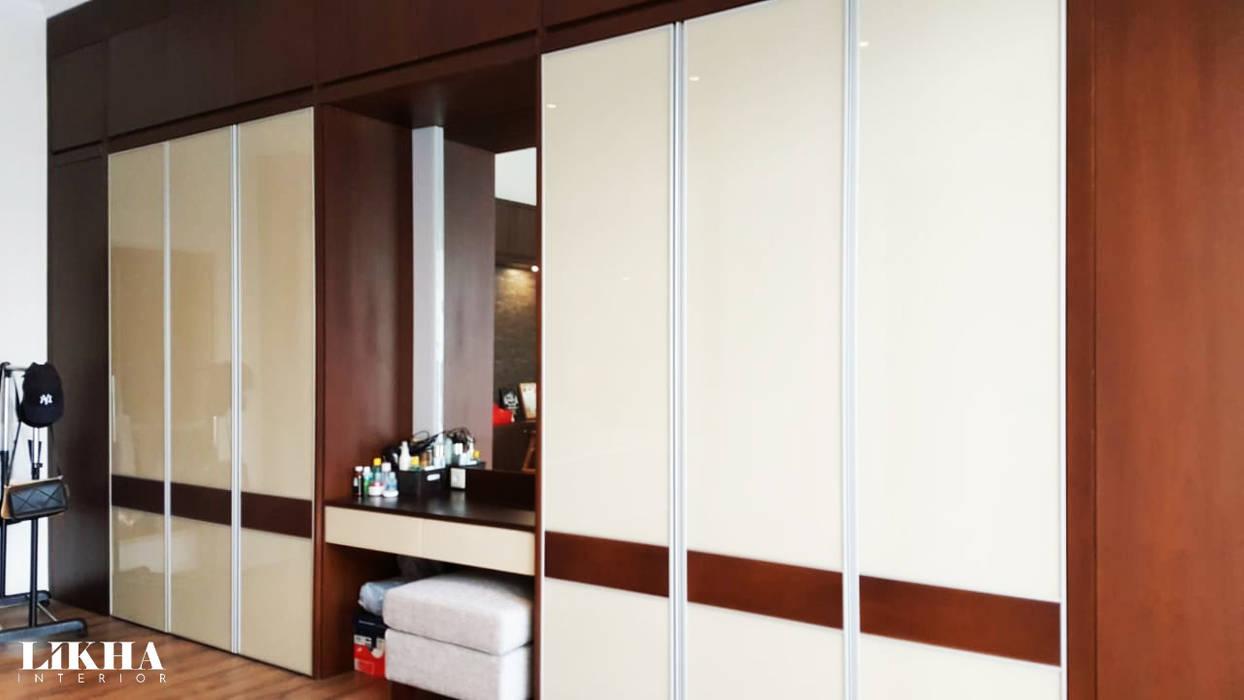 Lemari Pakaian dan Meja Rias Ruang Ganti Modern Oleh Likha Interior Modern Kayu Lapis