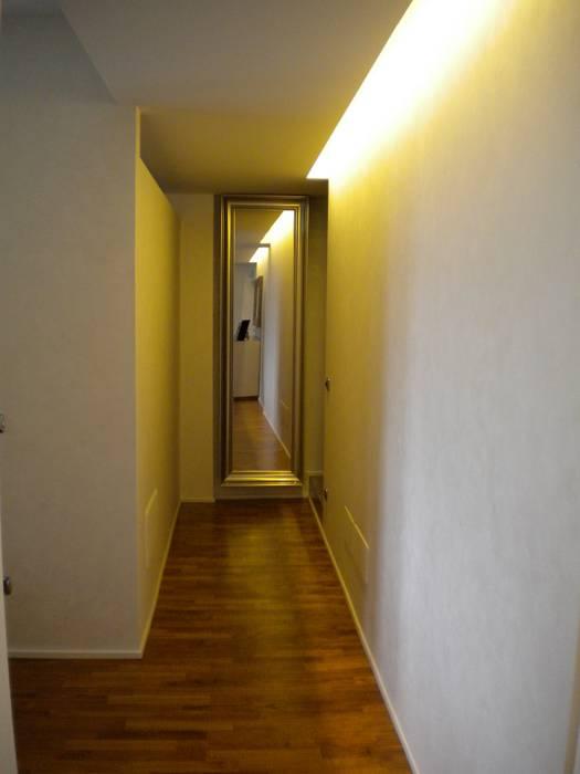 Corridoio: Ingresso & Corridoio in stile  di Formarredo Due design 1967