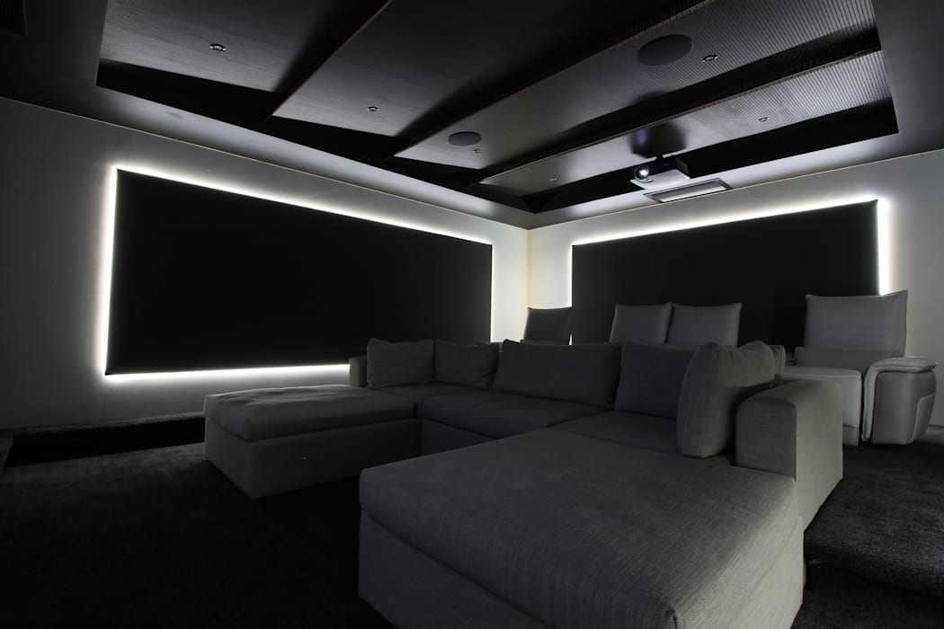 Cinema Seating:  Electronics by Audio Visual Projects (PTY) Ltd, Modern
