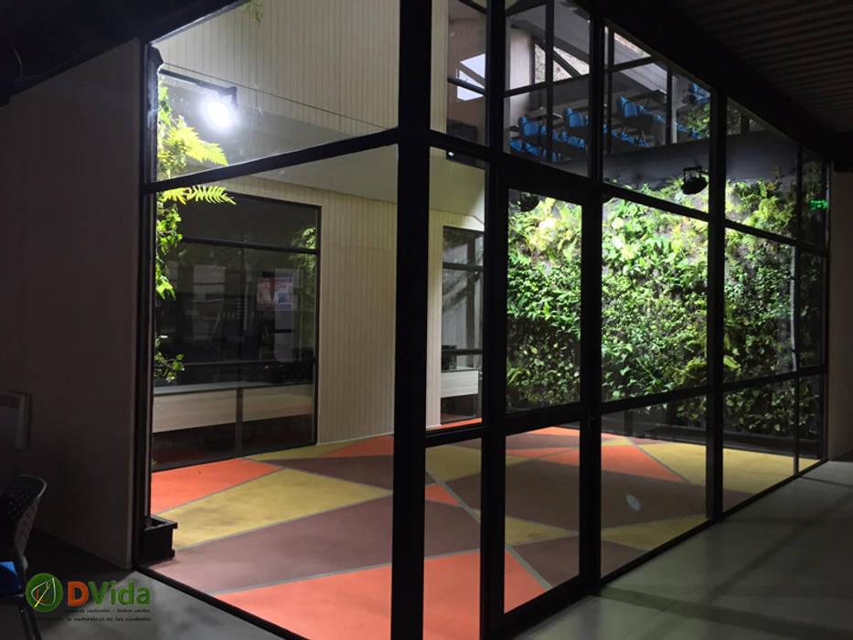 Jardines verticales DVida CFT Teodoro Wickel: Antejardines de estilo  por DVida Jardines verticales