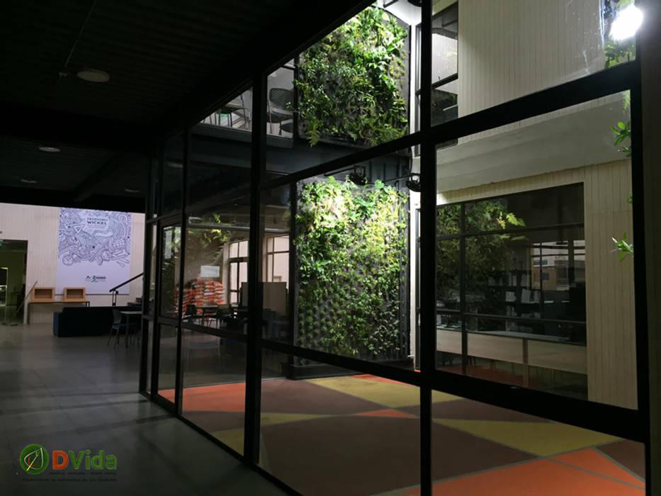 jardines verticales Teodoro Wickel: Estudios y biblioteca de estilo  por DVida Jardines verticales
